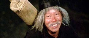 Симон Юэн в роли мастера Су Хая