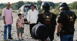 Дружная компания: Кикуджиро, Масао, писатель - путешественник и два байкера