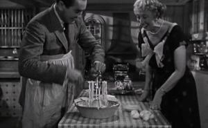 Леонард представляет своё изобретение - взбивалку для яиц