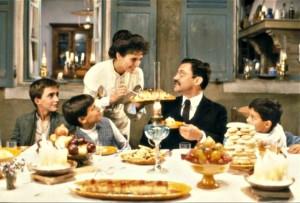 Семья за столом в Марселе