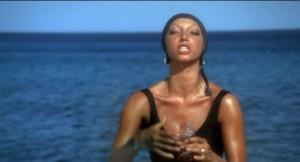 Унесенные необыкновенной судьбой в лазурное море в августе - сеньора Ланцетти