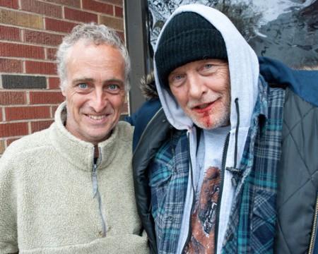 Бомж с дробовиком - Рутгер Хауэр и Дэйв Брунт, игравший бомжа в ролике