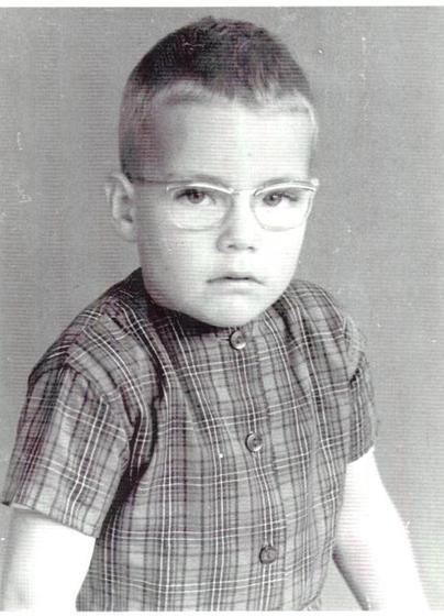 Молодой и серьезный Жан Клод