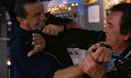 under-siege-steven-segal-tommy-lee-jones-knife-fight