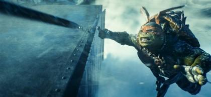 Микеланджело - кадр из фильма Черепашки-ниндзя 2014