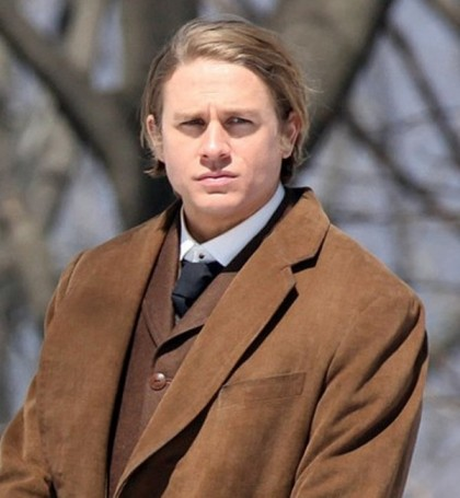 116361, EXCLUSIVE: FIRST ON-SET PHOTOS! Charlie Hunnam films scenes for his new movie 'Crimson Peak' in Ontario. Fans flocked to the set to wish Charlie a happy 34th birthday. Clean-shaven Hunnam was happy to take pictures and sign autographs for his many adoring fans. The gothic-romance horror film is being directed by Guillermo del Toro. Canada - Thursday April 10, 2014. VIDEO AVAILABLE - CANADA OUT Photograph: © O'Neill/Todd G, PacificCoastNews. Los Angeles Office: +1 310.822.0419 London Office: +44 208.090.4079 sales@pacificcoastnews.com FEE MUST BE AGREED PRIOR TO USAGE