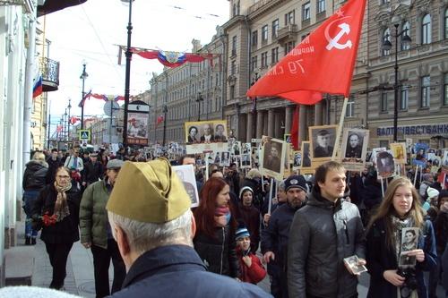 Шествие Бессмертного полка в Ленинграде 2017