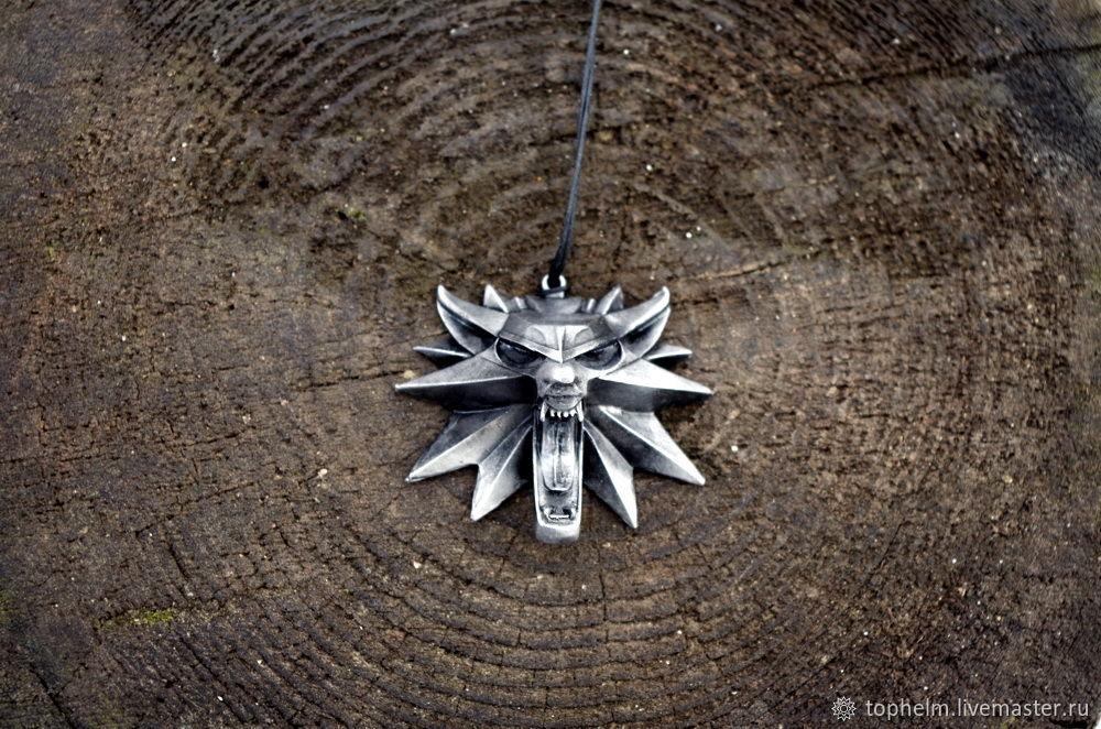 Стильный медальон Ведьмак из серебра